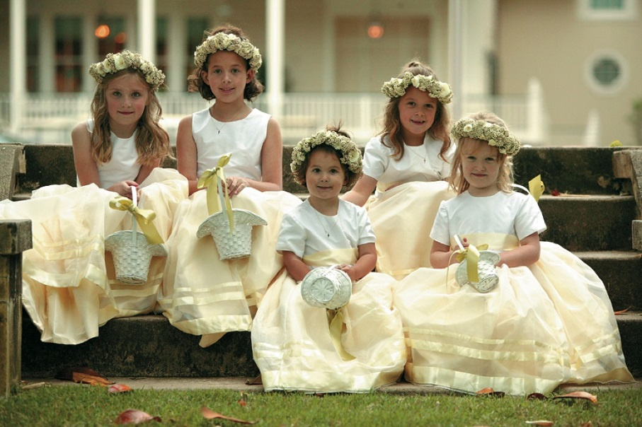 flower-girls-with-flower-baskets