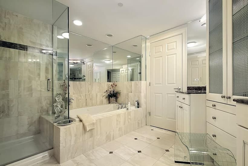 medium-sized-master-bathroom