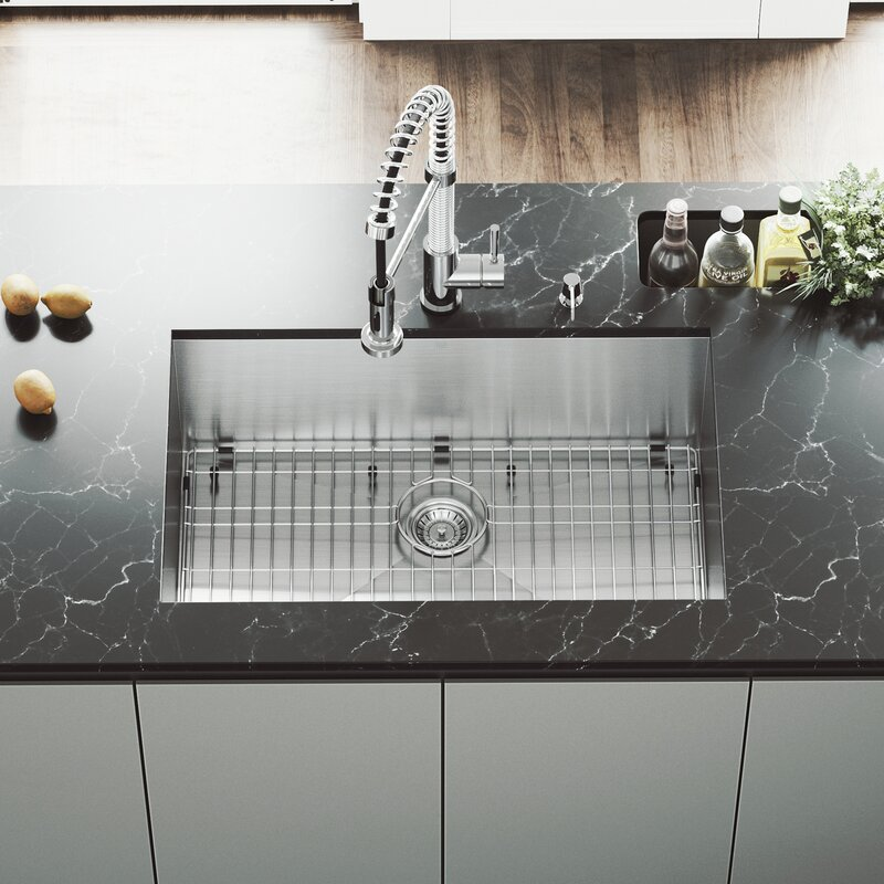 picture of a kitchen sink with strainer