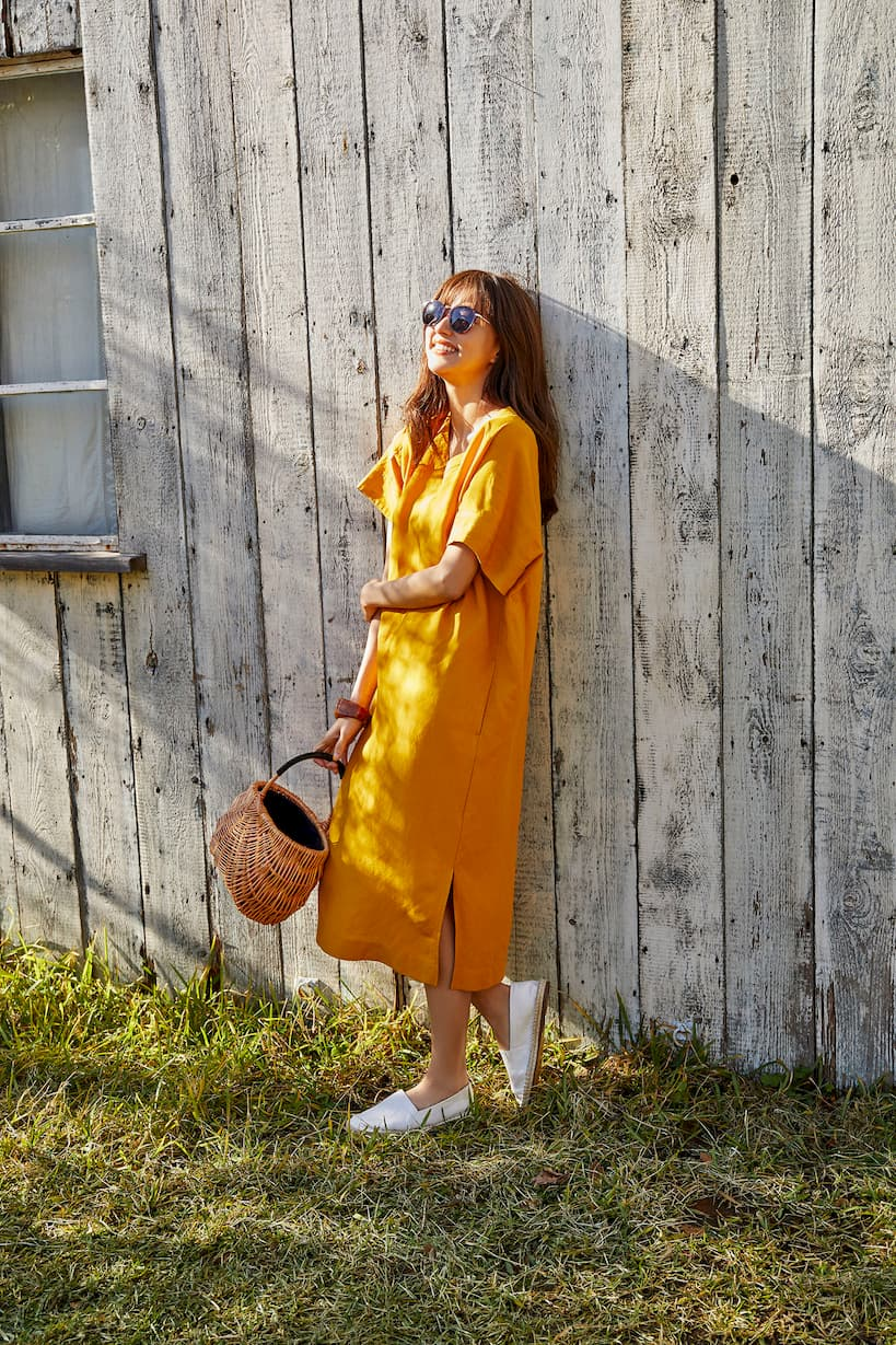 girl with yellow linen dress