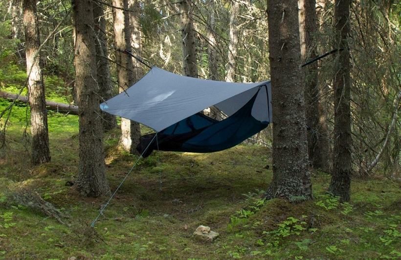 picture of a reusable tent in the mountains