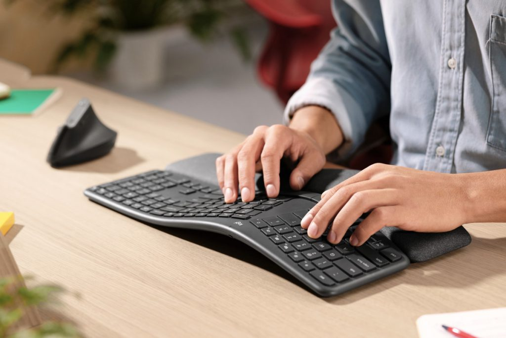new ways of ergonomic sitting on the desk ergonomic keyboard wrist rest