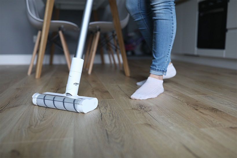 cleaning vinyl tile floor